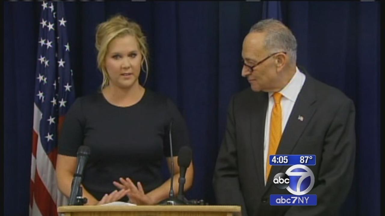 Actress and comedian Amy Schumer joins cousin, Sen. Charles Schumer, to call for gun control reform