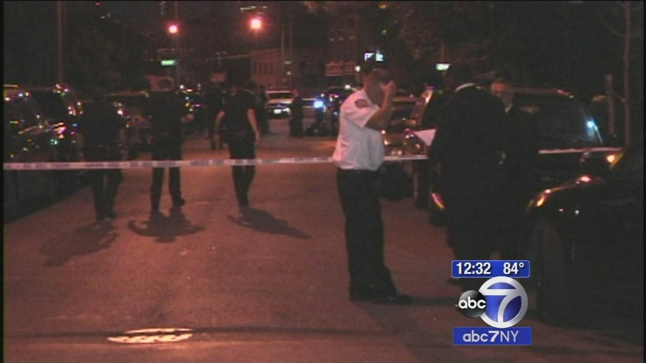 5 people injured in Red Hook, Brooklyn shooting