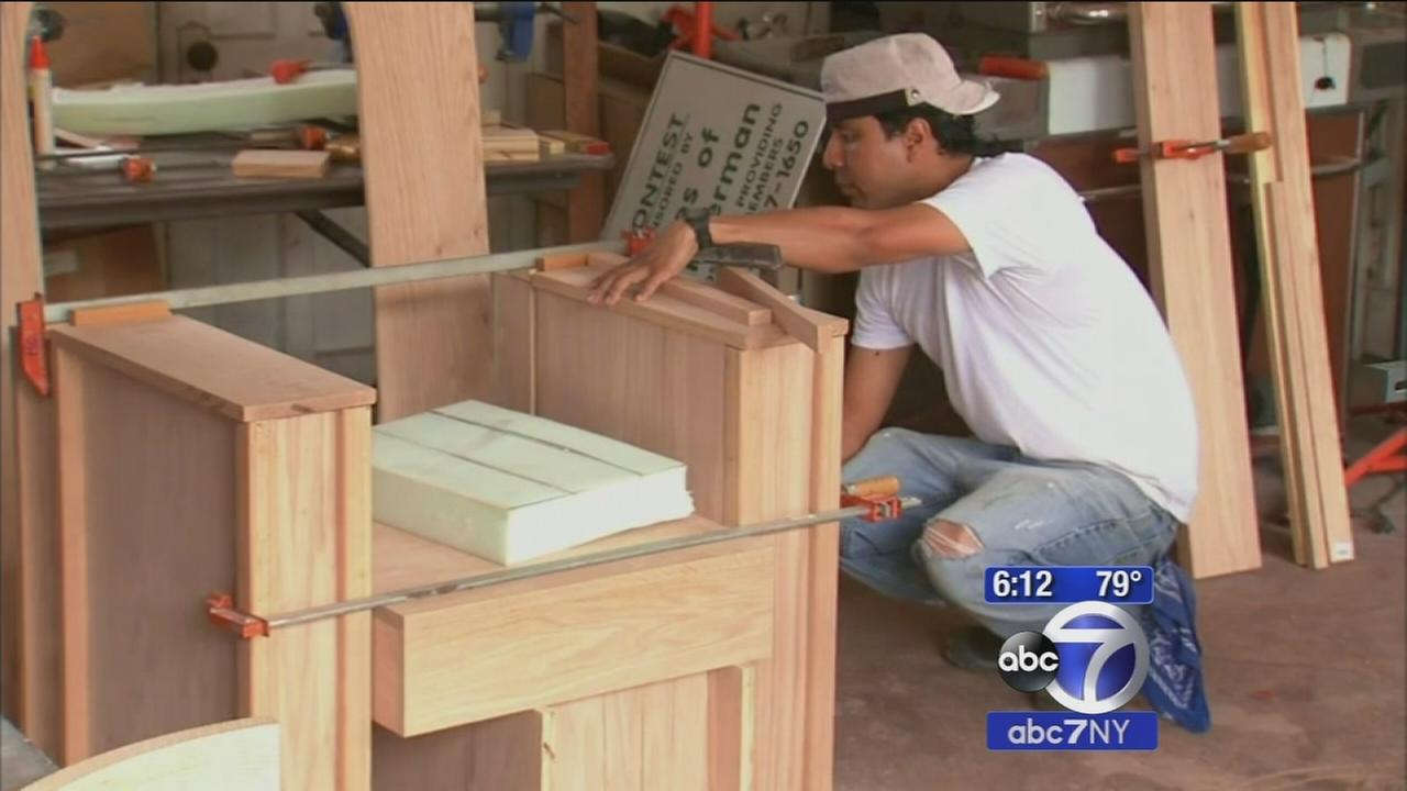 Westchester immigrants creating Pope Francis chair for US visit