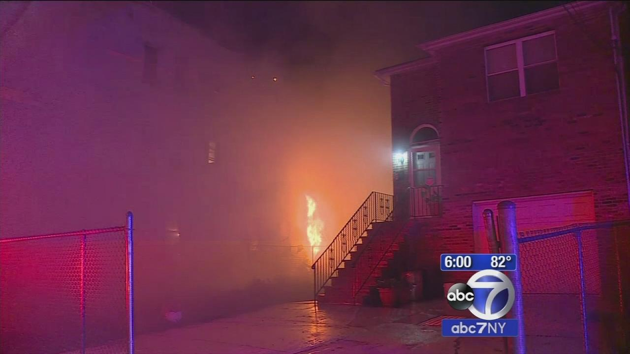 Mom, 2 children in critical condition after Newark fire overnight