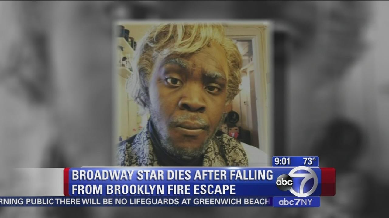 Broadway star dies after falling from fire escape
