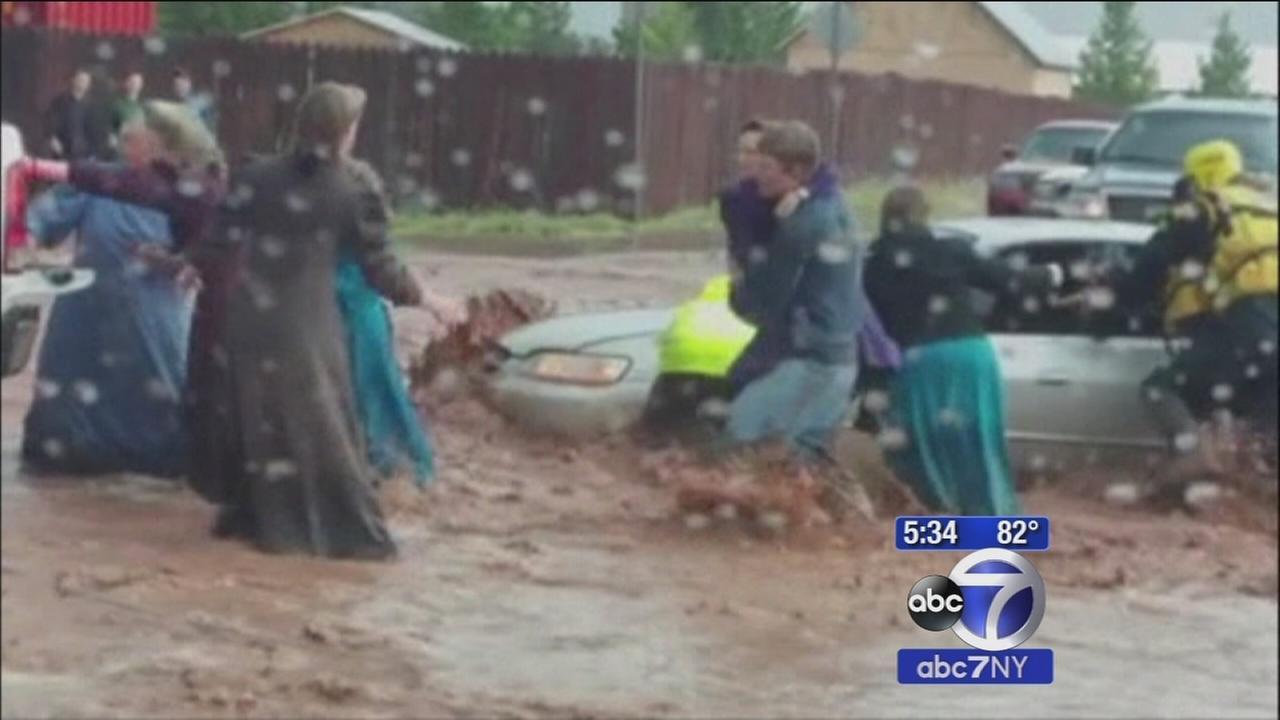 Flash floods kill 9, leave 4 missing at Utah, Arizona border