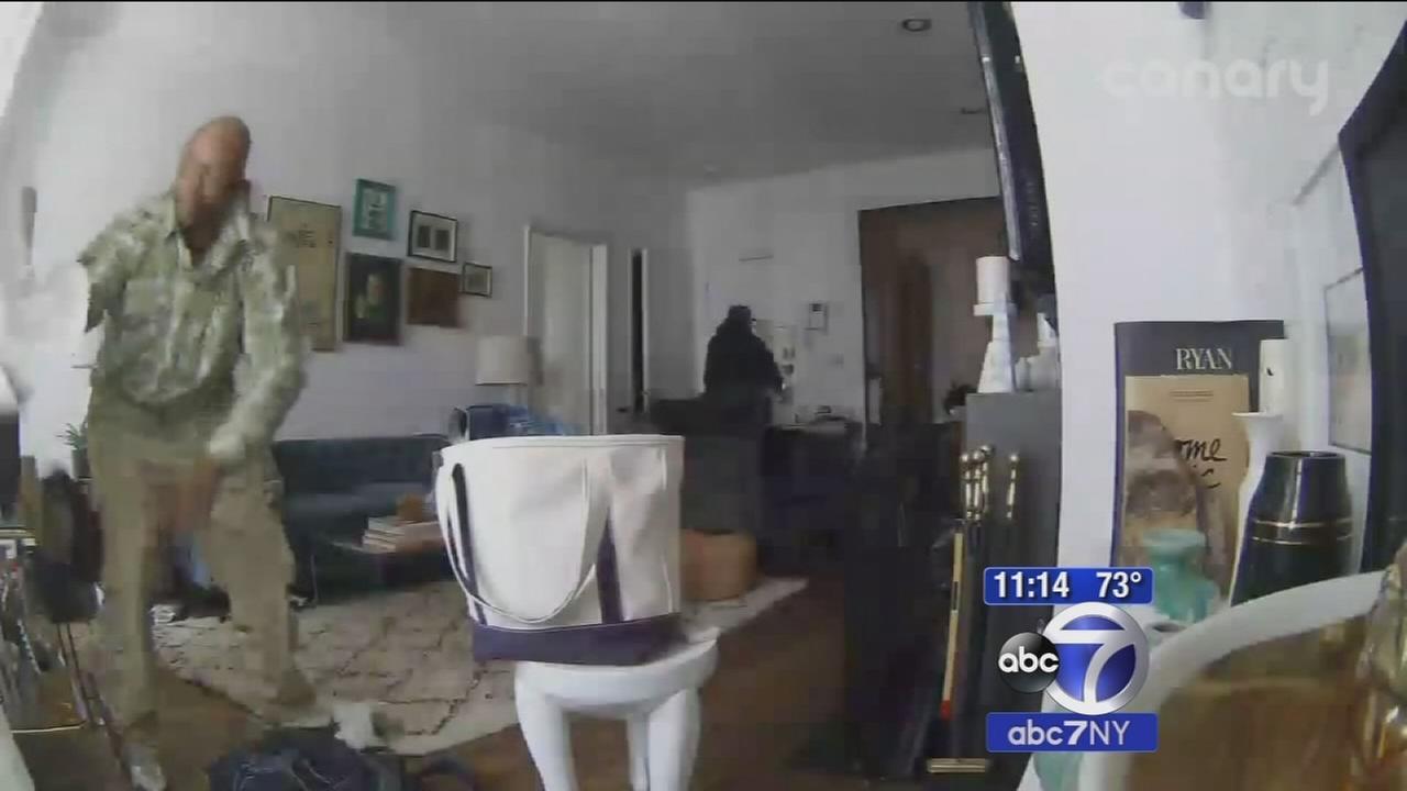 Man catches two men burglarizing his apartment thanks to app