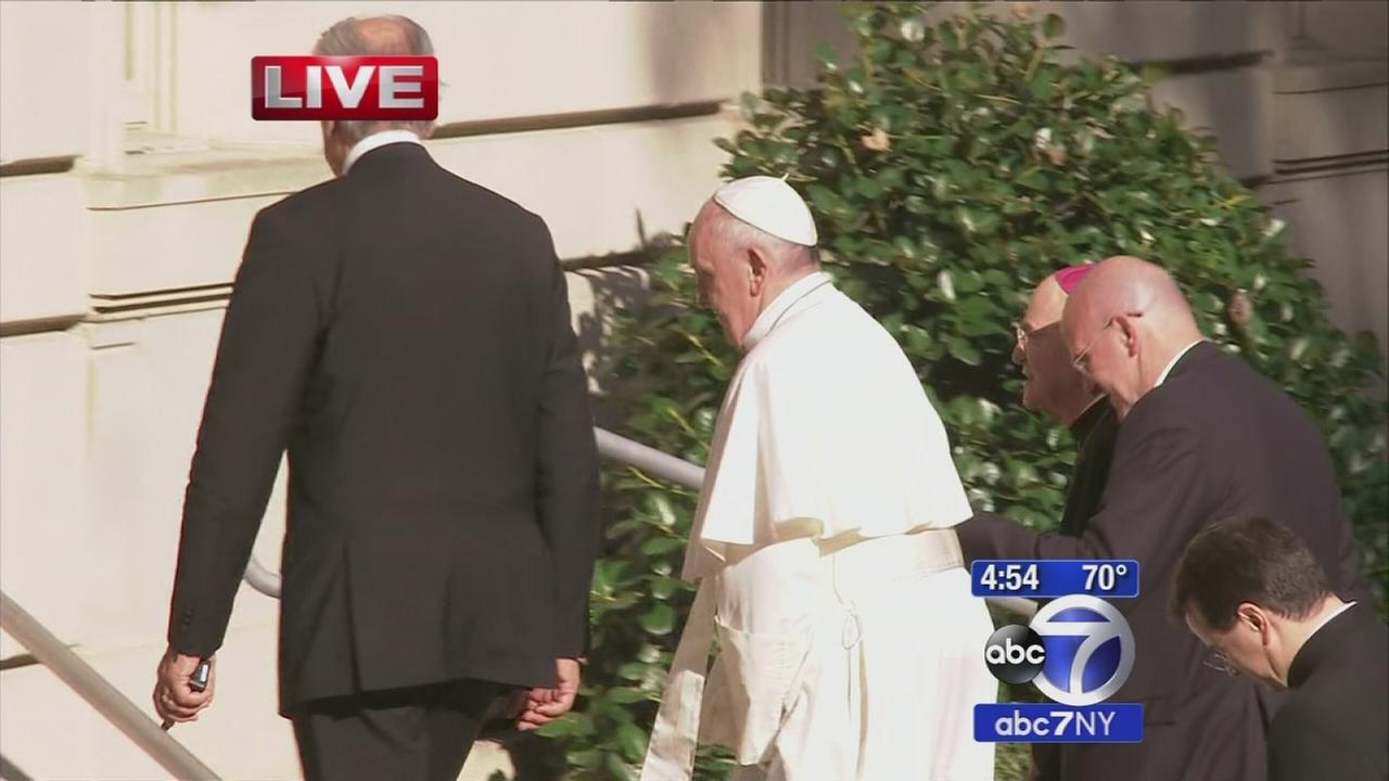 Pope Francis lands in Washington D.C.