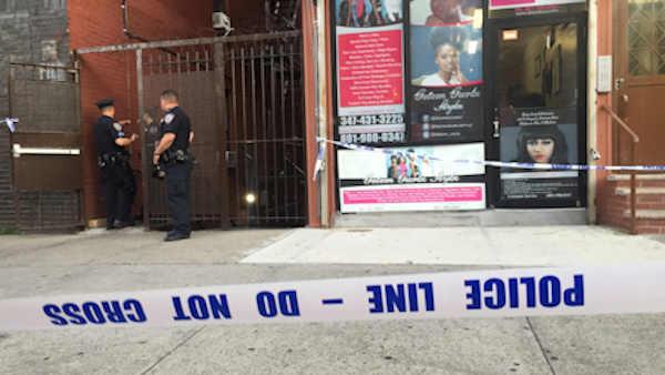 5 Year Old Boy Falls From Bronx Window Abc7ny Com