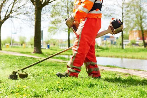 "<div class=""meta image-caption""><div class=""origin-logo origin-image none""><span>none</span></div><span class=""caption-text"">11.	Ground maintenance workers (Shutterstock)</span></div>"