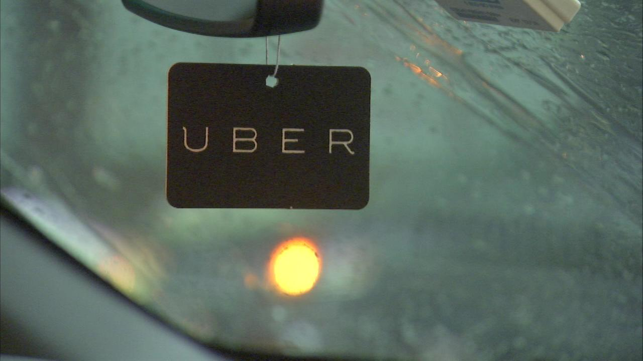 Just in time for holiday travel Uber pick-up at Chicago airports was approved by the city Tuesday.