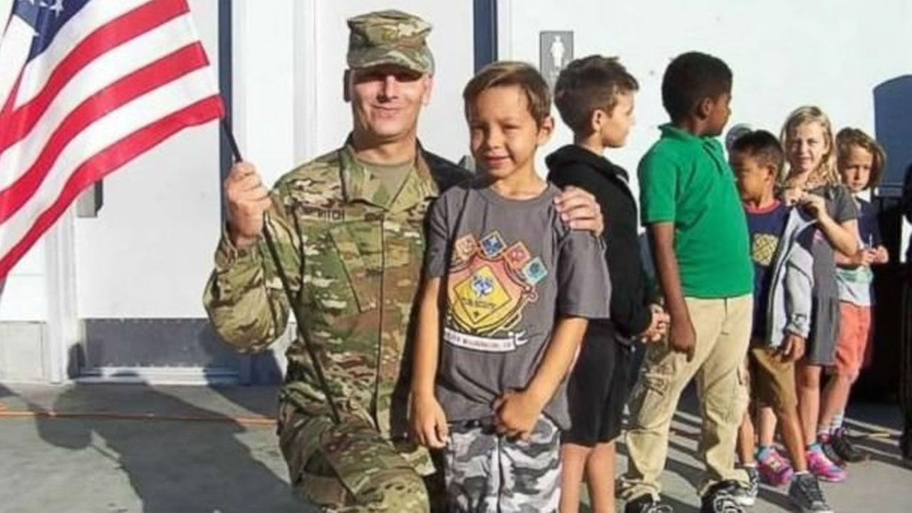 1st-graders project inspires hundreds of cards to troops