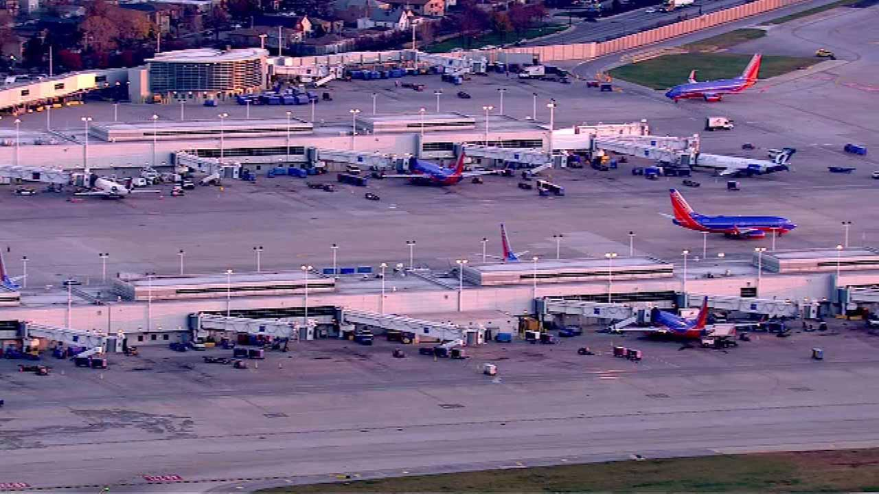 100 flights canceled at Midway Airport due to weather