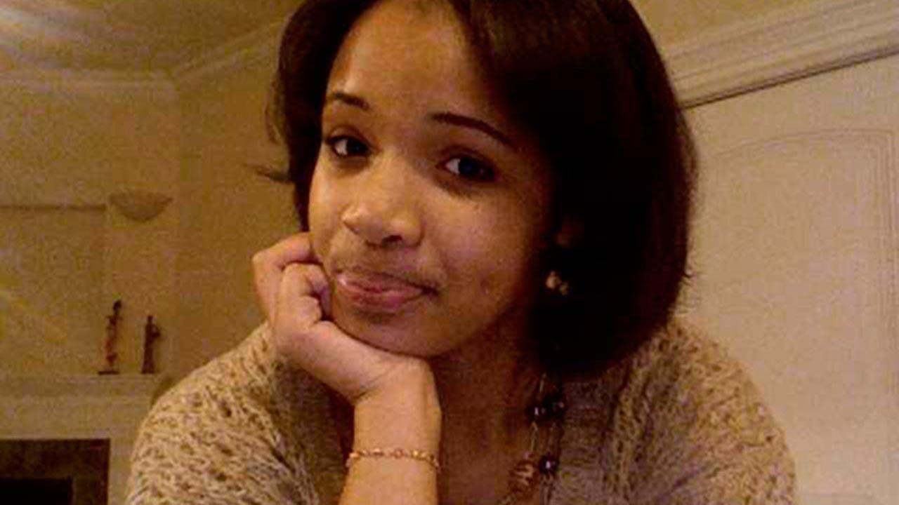 (FILE) Honor student Hadiya Pendletonm 15, was shot to death in January 2013.