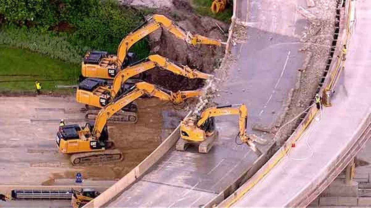 The Kennedy Expressway is shut down just north of downtown at the Ontario Street Bridge until Monday morning for a major construction project.