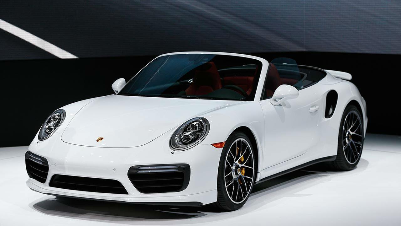 Auto Show PorschePaul Sancya
