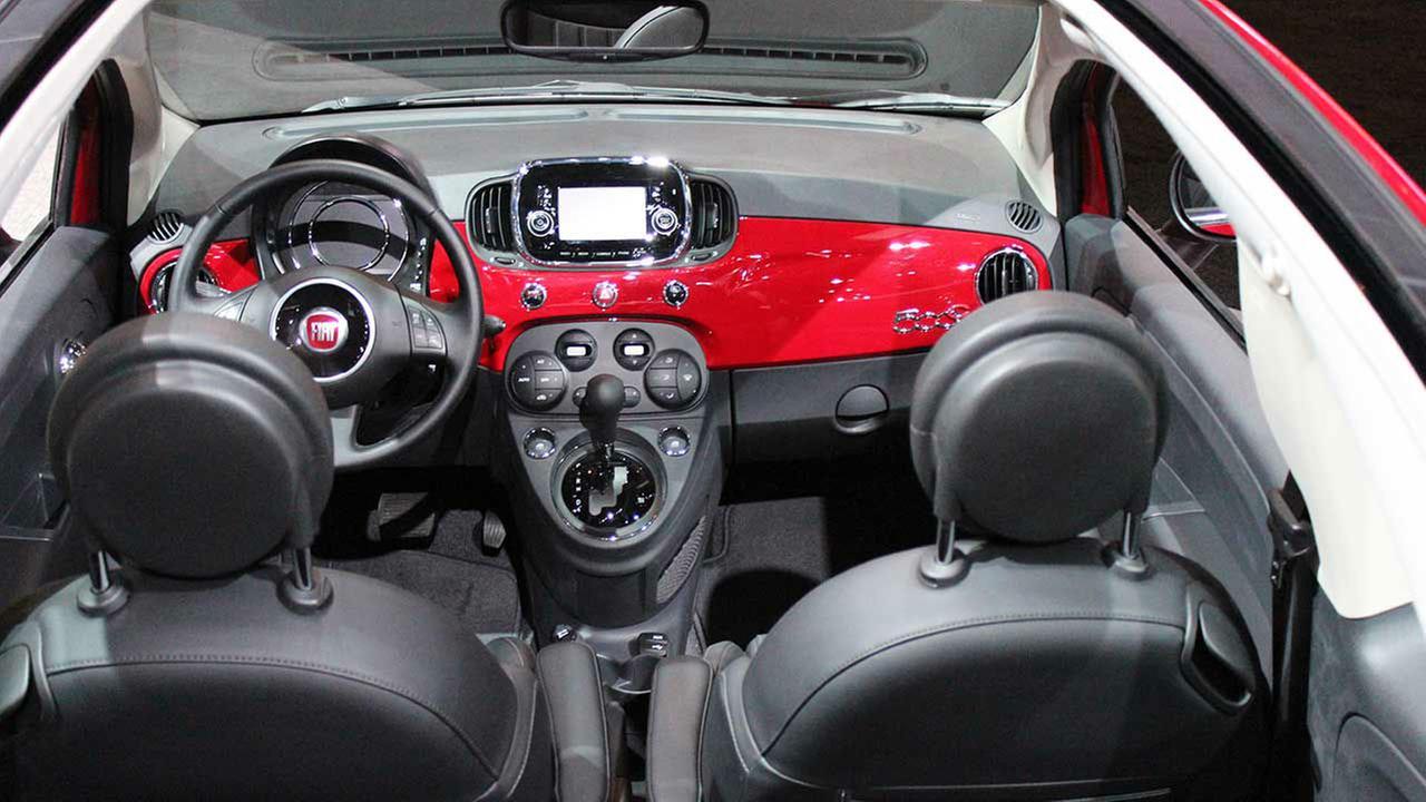 fiat-500-cabrio-2016-inside