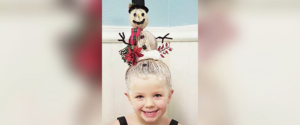 """<div class=""""meta image-caption""""><div class=""""origin-logo origin-image none""""><span>none</span></div><span class=""""caption-text"""">Greg Wickherst styles his daughter Izzy's hair for Christmas. This is the Snowman. (Greg Wickherst)</span></div>"""