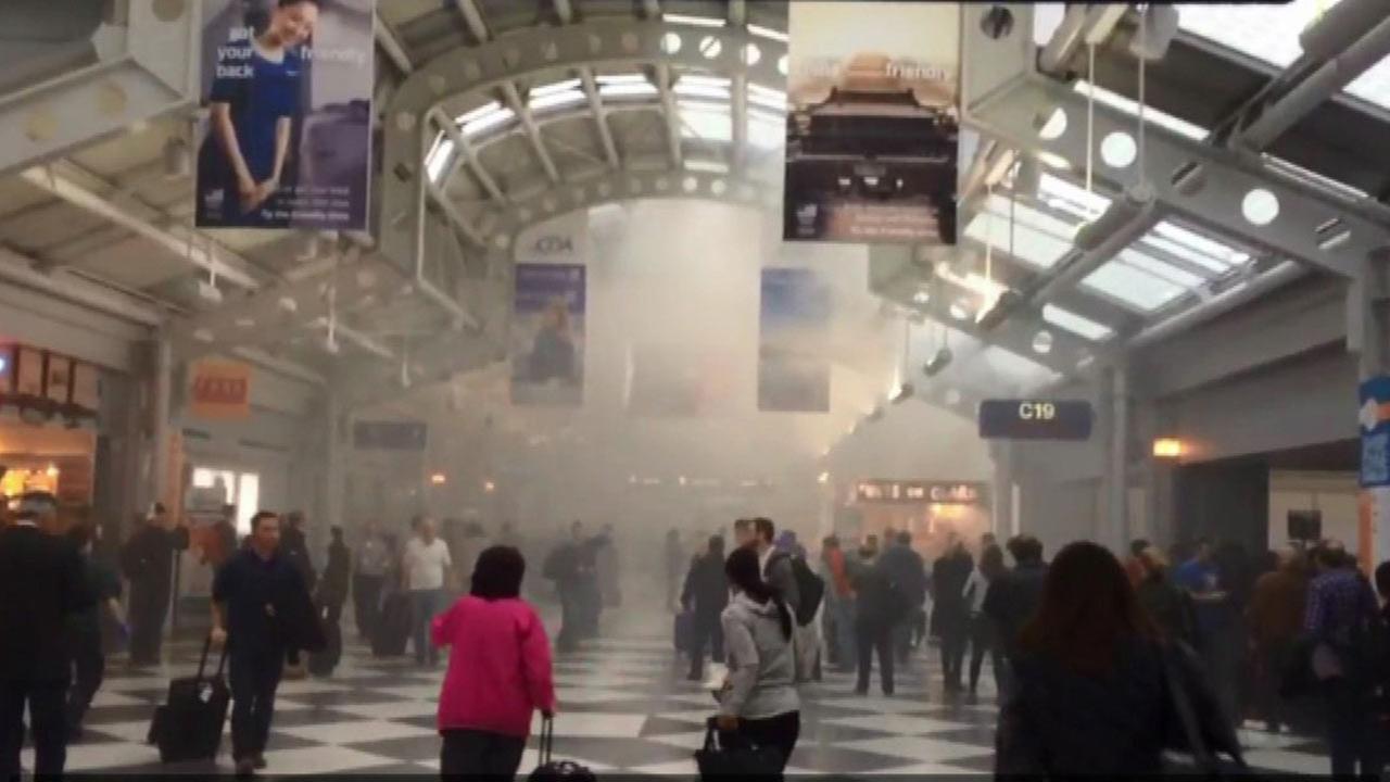 Popcorn machine malfunction causes smoke in O'Hare's Terminal 1