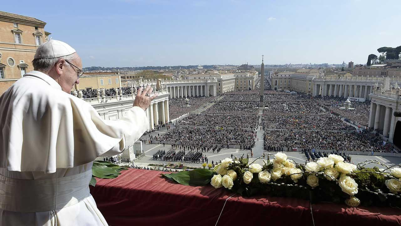Pope Francis delivers the Urbi et Orbi (to the city and to the world) message at end of the Easter mass, in St. Peters Square, at the Vatican, Sunday, March 27, 2016.