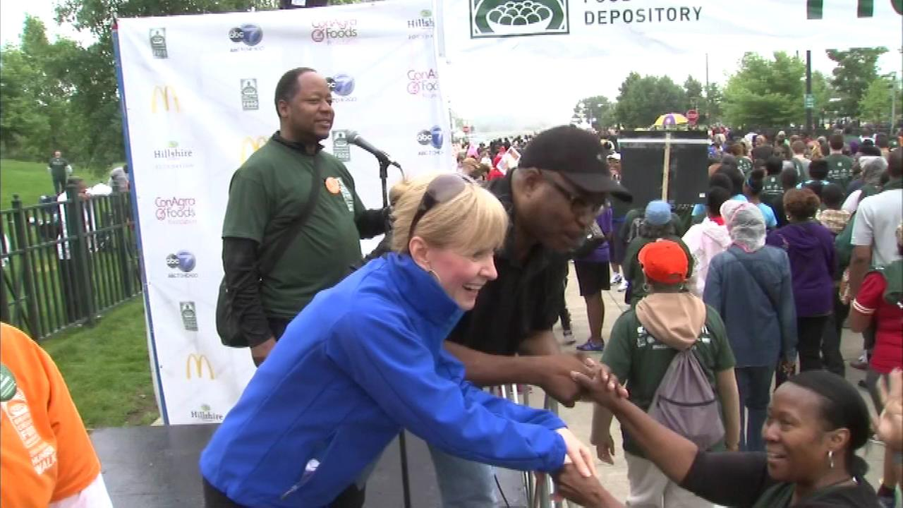 ABC7s Tracy Butler and Hosea Sanders hosted the Greater Chicago Food Depositorys Hunger Walk Saturday, June 21, 2014.