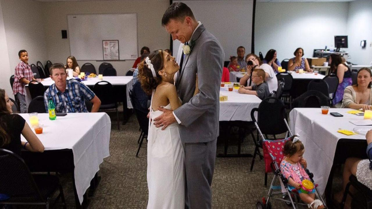 Destini Schafer and Brandon Thomas got married in the hospital after Schafers stage 4 cancer diagnosis.