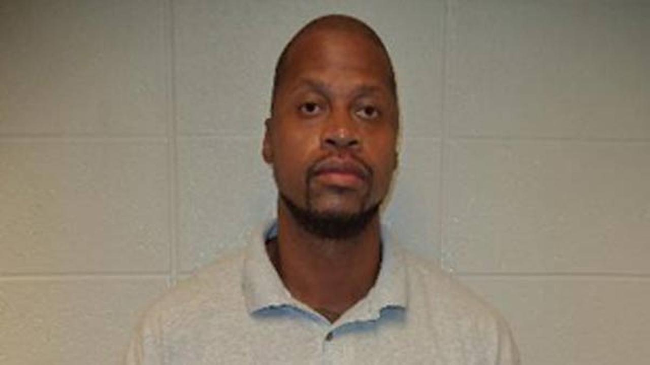Ronald P. Terrell; 35 years of age Registered Sexual Predator – Victim Under 18 Years of Age Wanted for Sex Offender Registration Violations; $50,000.00 Bond (16CF441)