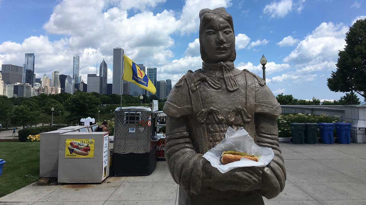 Terracotta warrior replicas to visit Chicagos famous sights