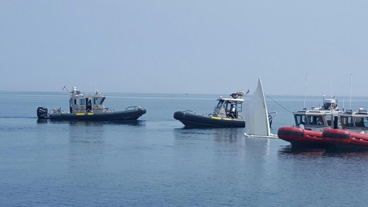 2 dead in Lake Michigan boat crash