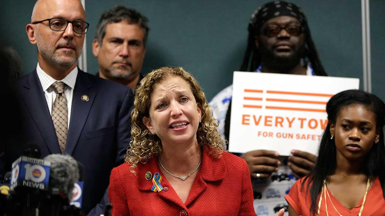 Debbie Wasserman Schultz, chair of Democratic National Committee, to step down