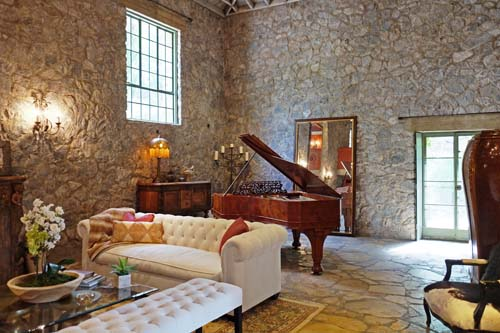 "<div class=""meta image-caption""><div class=""origin-logo origin-image none""><span>none</span></div><span class=""caption-text"">Music legend Tom Petty's home near Malibu has been listed for sale following his death in October. (TopTenRealEstateDeals.com)</span></div>"