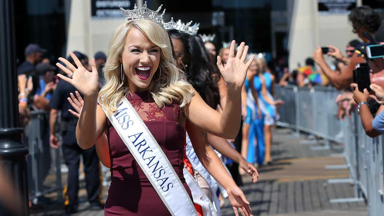 Savvy Shields, of Arkansas, crowned Miss America 2017
