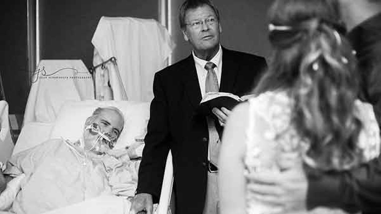 Candice Hammonds wedding took place in the middle of an ICU hospital room. She wanted her dying father to witness the next chapter of her life.