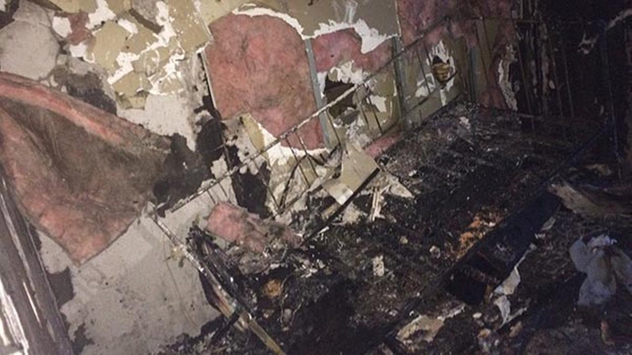 Lincoln Park high rise fire damages unit