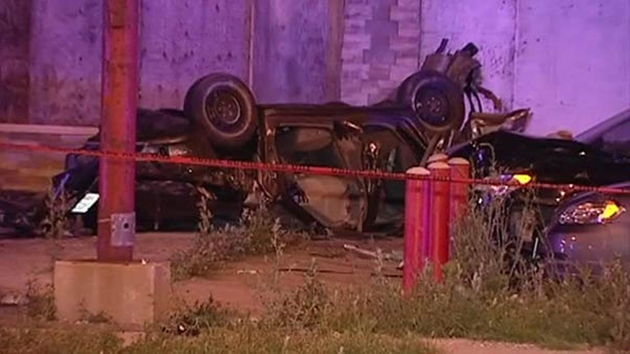 2 killed after car flips in South Deering