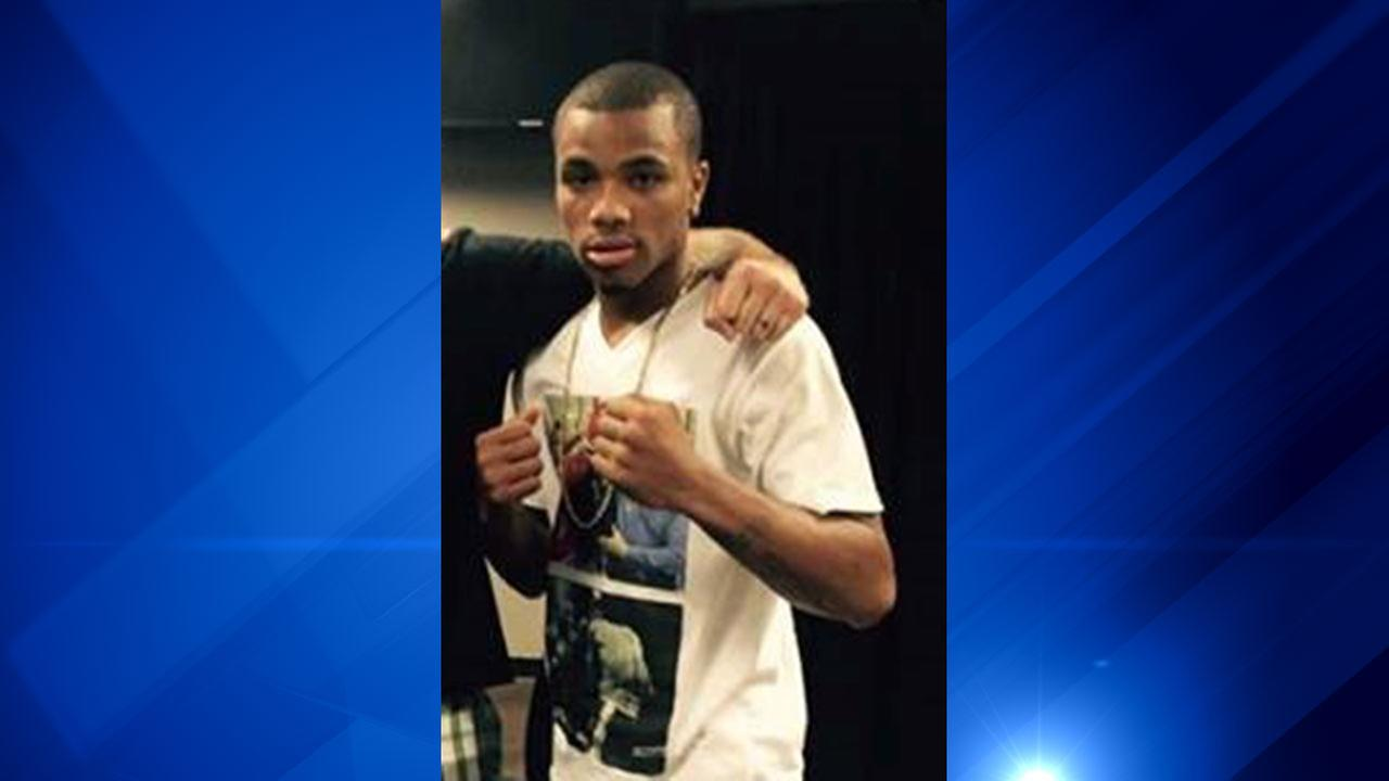 Chicago boxer Ed Brown, 25