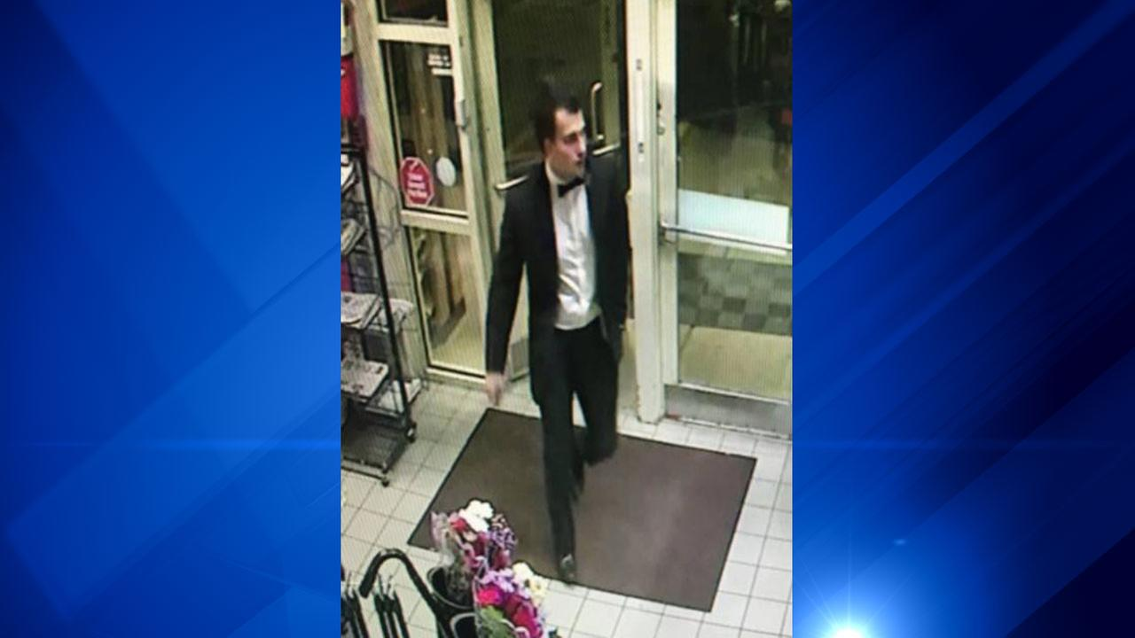 Naperville police looking for man in tuxedo, possibly victim of crime
