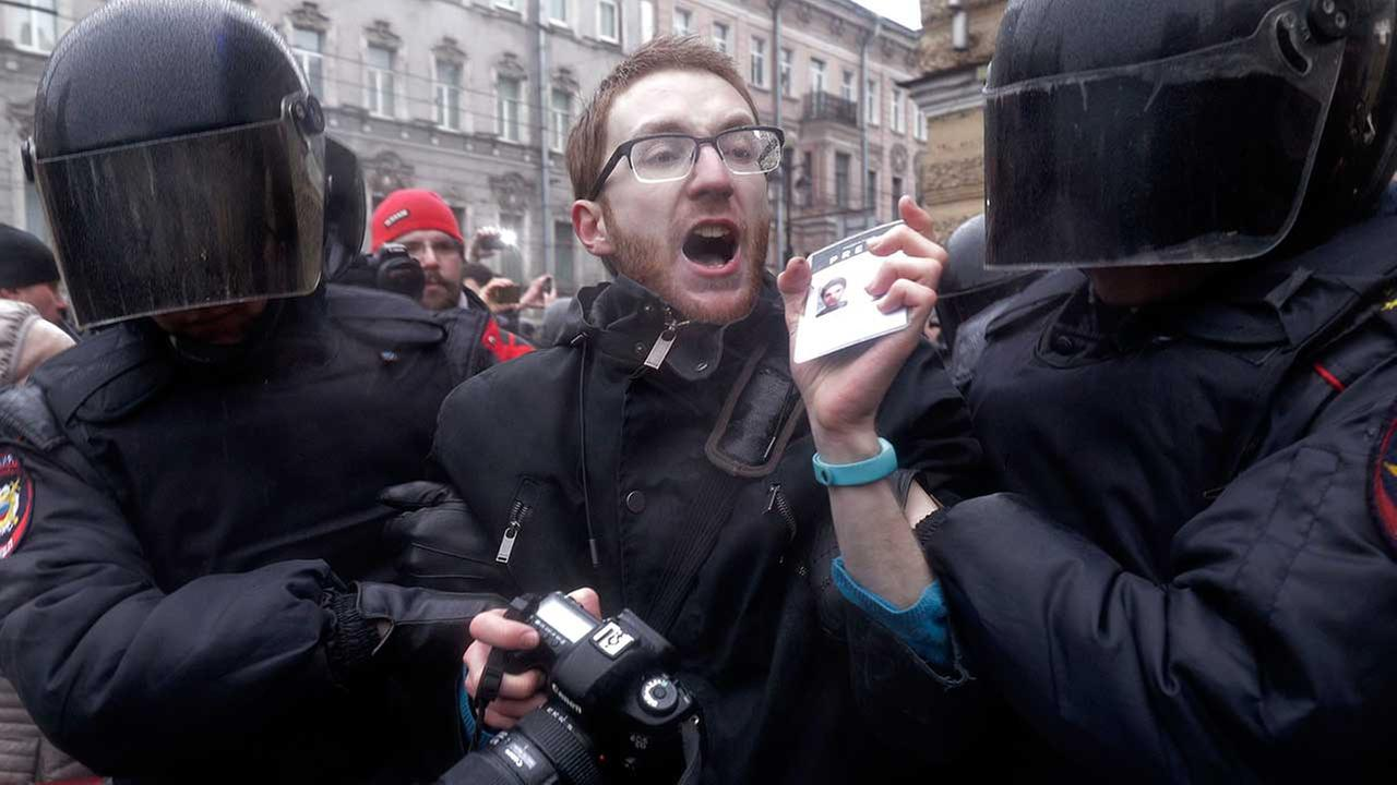 Nationwide protests bring thousands to Russias streets