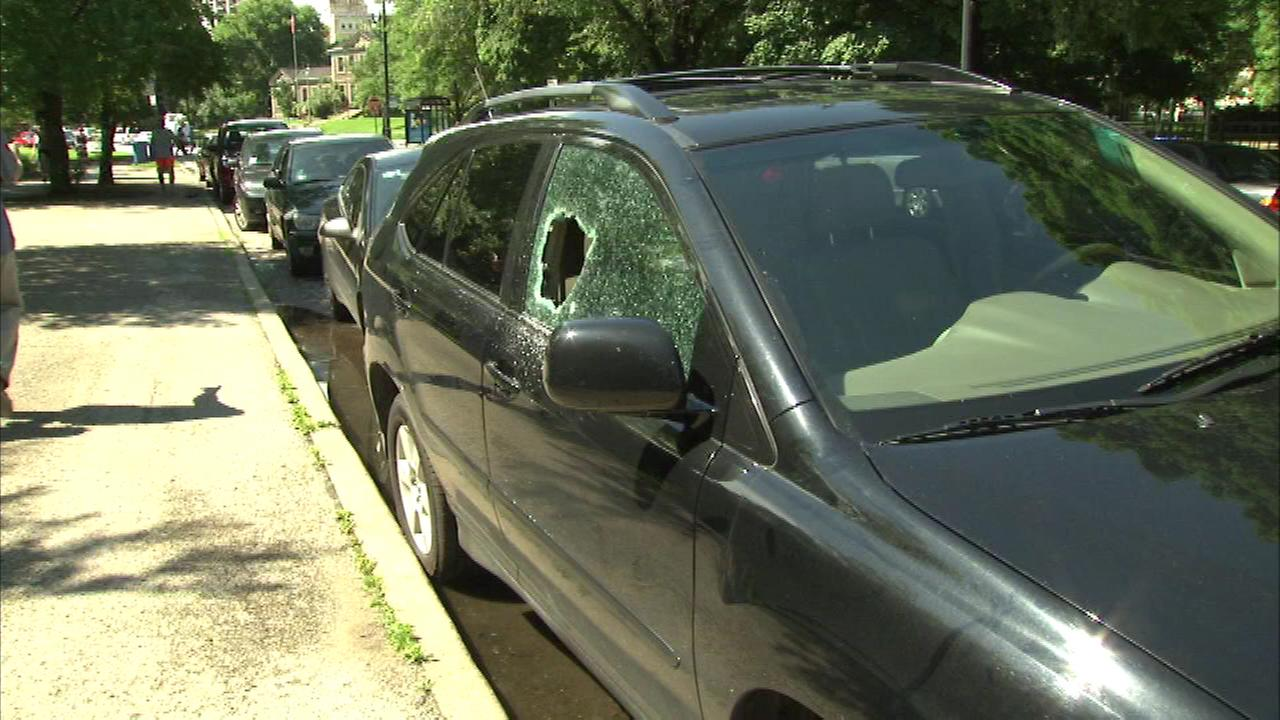 Many drivers who park near the Lincoln Park Zoo woke up Sunday morning to find their cars broken in to, car windows smashed in, and their tires slashed.