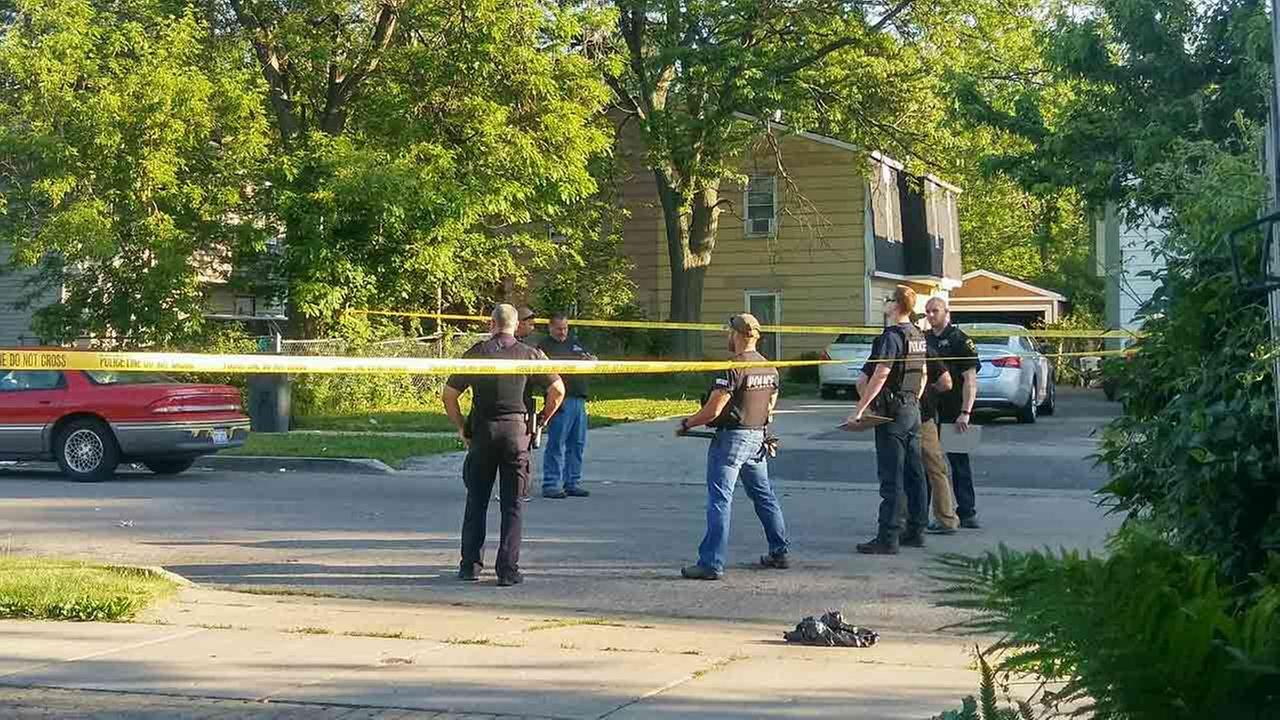timeless design 7f464 93e55 A 24-year-old woman was killed in a shooting in Waukegan Monday morning,  police said. Officers responded to the 1600-block of 11th Street at about  4 30 ...