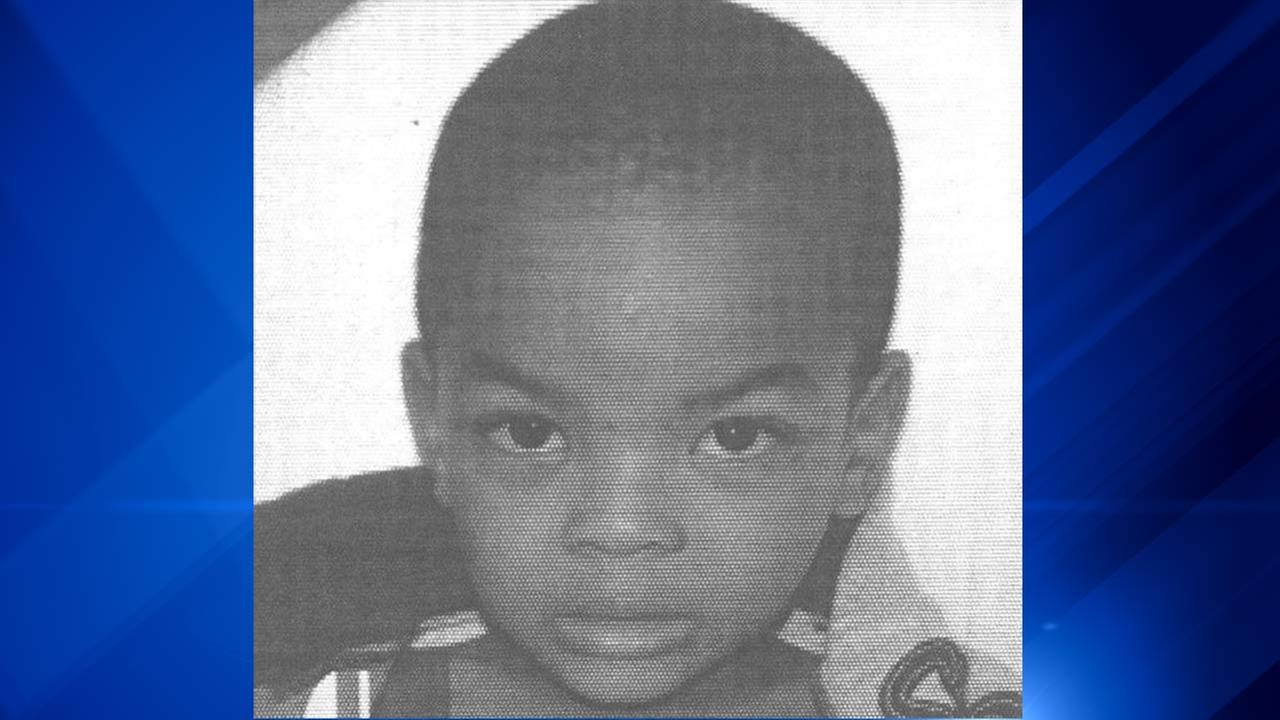 Do You Know This Toddler Found Alone At Rainbow Beach Park?