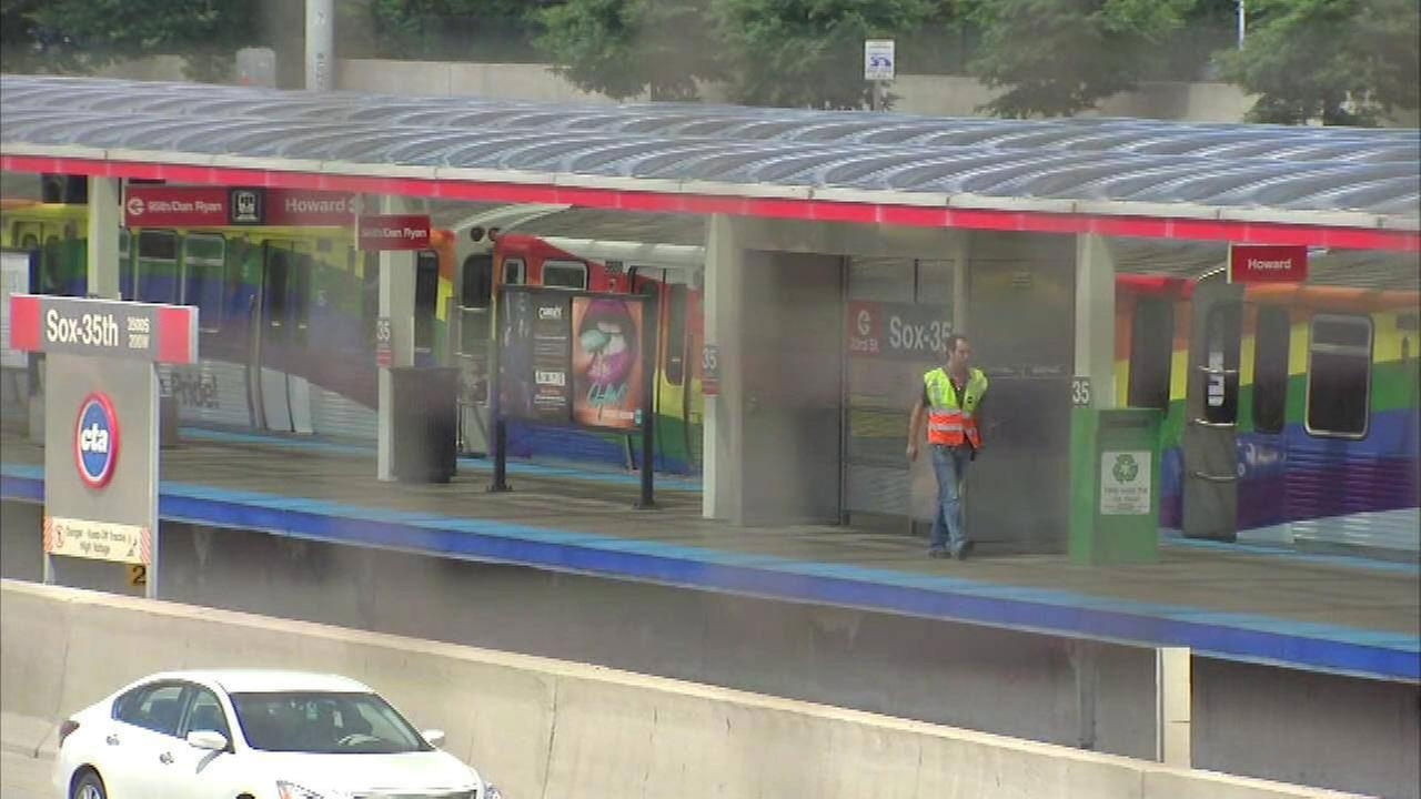 Man, 19, fatally hit by Red Line train at 35th