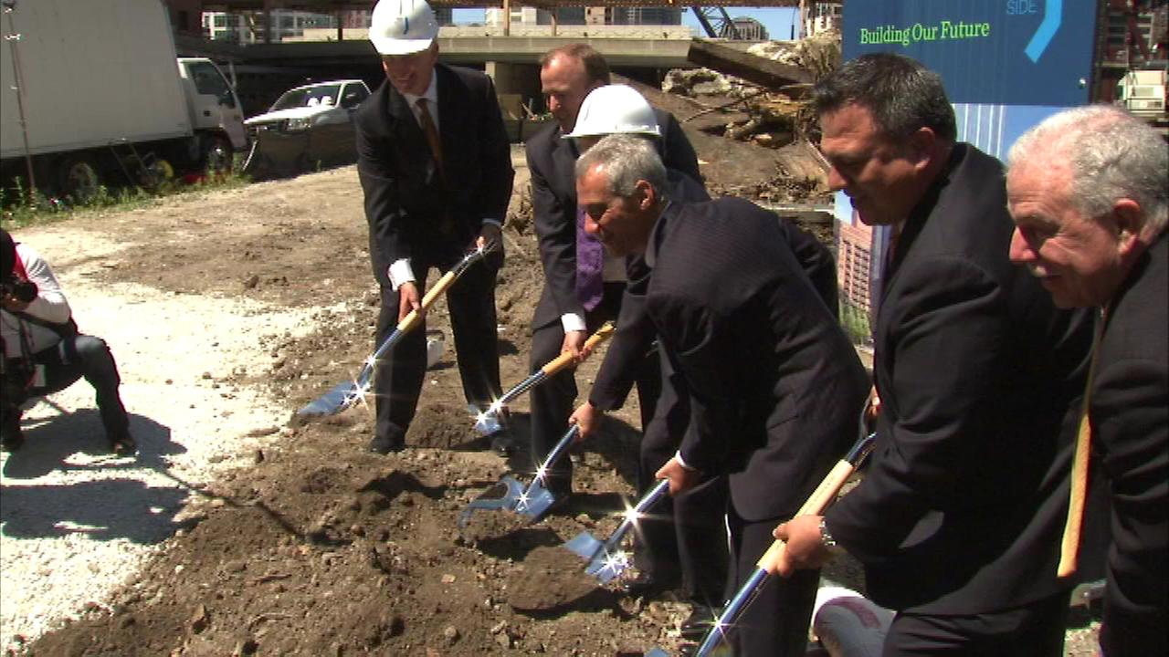 Mayor Rahm Emanuel helped break ground Thursday on a project that will create more than 1,500 construction jobs.