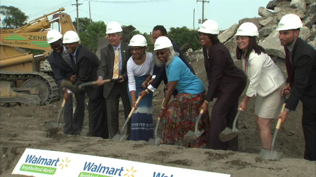 A ground-breaking was held for a new Walmart Tuesday in Chicagos Auburn-Gresham neighborhood.