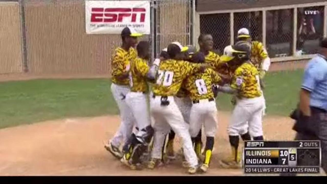 Chicagos Jackie Robinson West punched their ticket to the Little League World Series with a 12-7 win over New Albany, Ind. Saturday.