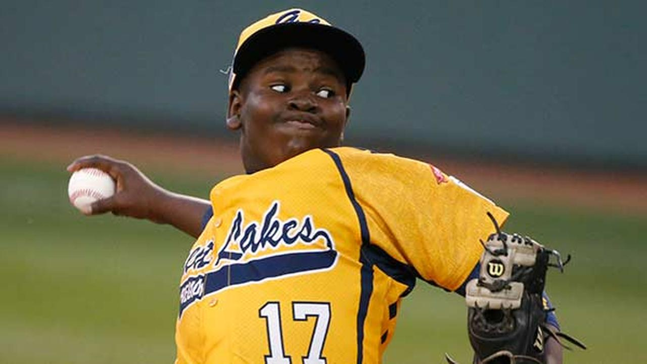 Chicago pitcher Joshua Houston delivers during the first inning against Pearland during an elimination baseball game at the Little League World Series in South Williamsport, Pa.,Gene J. Puskar)