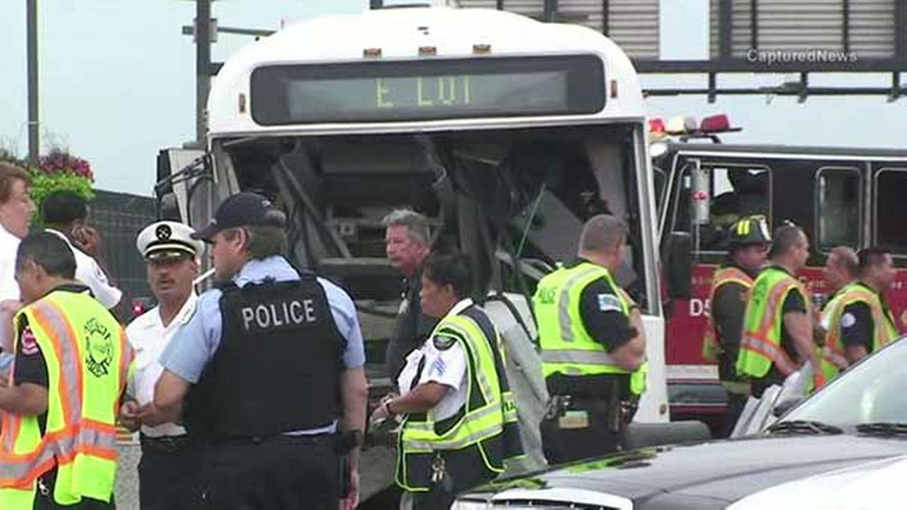 OHare shuttle bus crashes into concrete divider