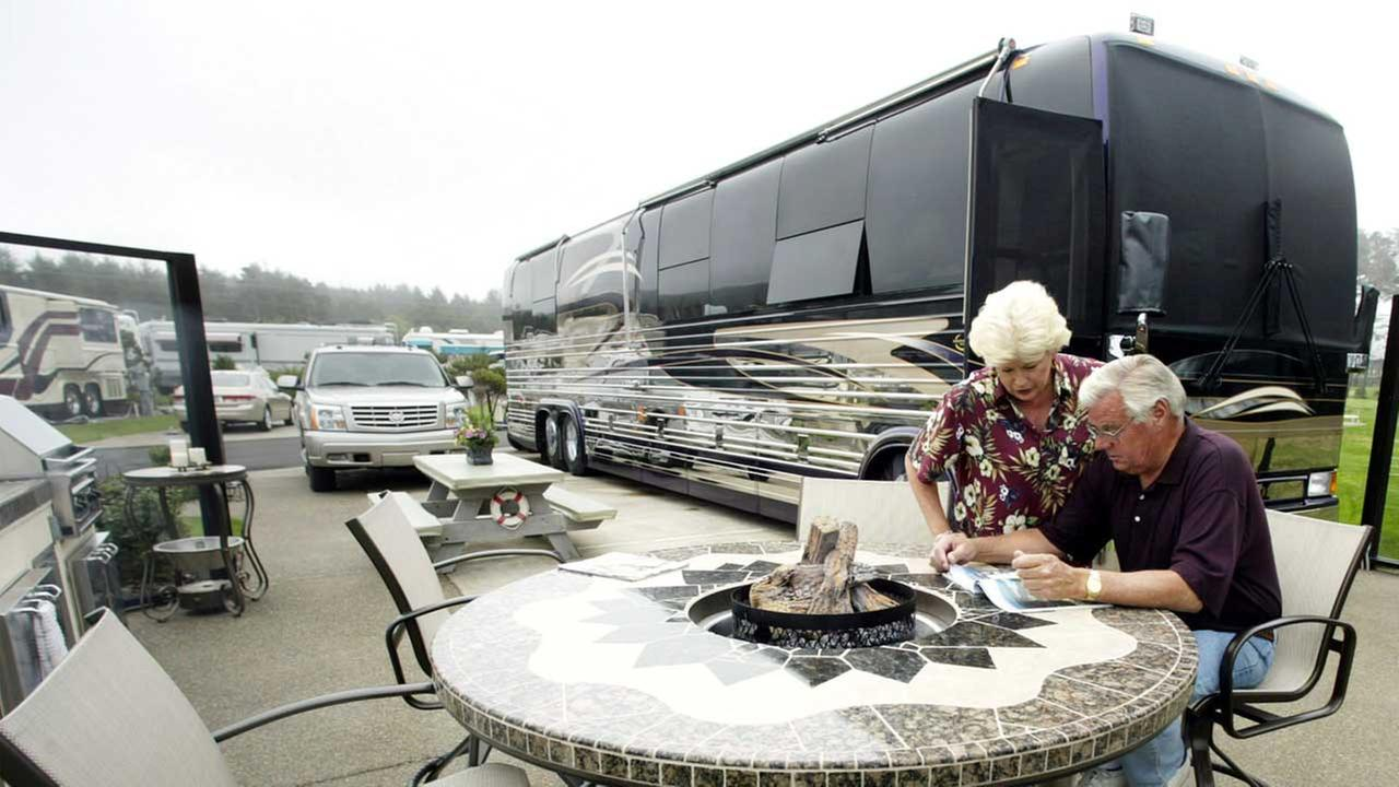 (FILE) Mobile home owners on Wednesday, August 4, 2004, in Newport, Ore.