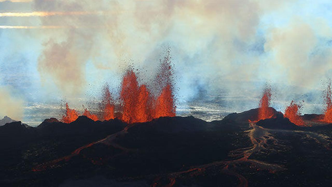 Fissure near Icelands Bardarbunga volcano erupts