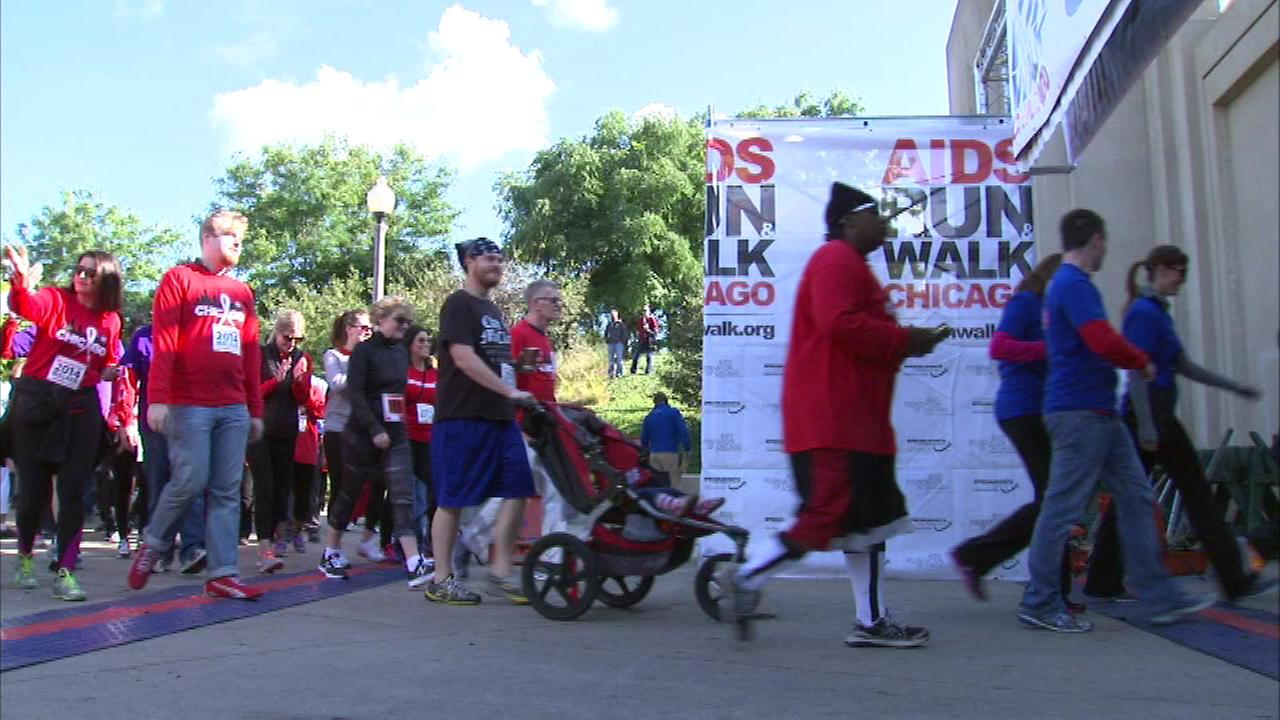 Thousands of people laced up their running shoes for a good cause when the annual 5K and 10K AIDS Run and Walk Sunday morning kicked off in Chicagos Grant Park.