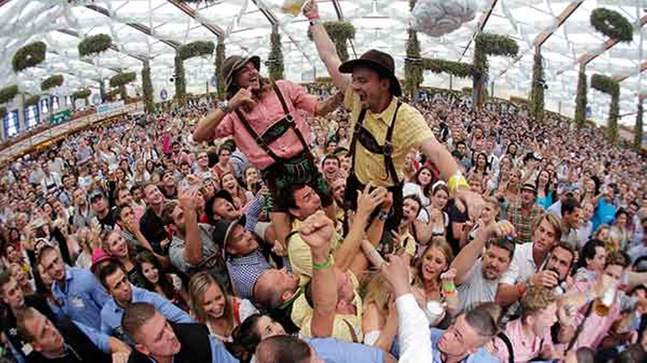 oktoberfest opens in munich germany kabc7 photos and slideshows. Black Bedroom Furniture Sets. Home Design Ideas