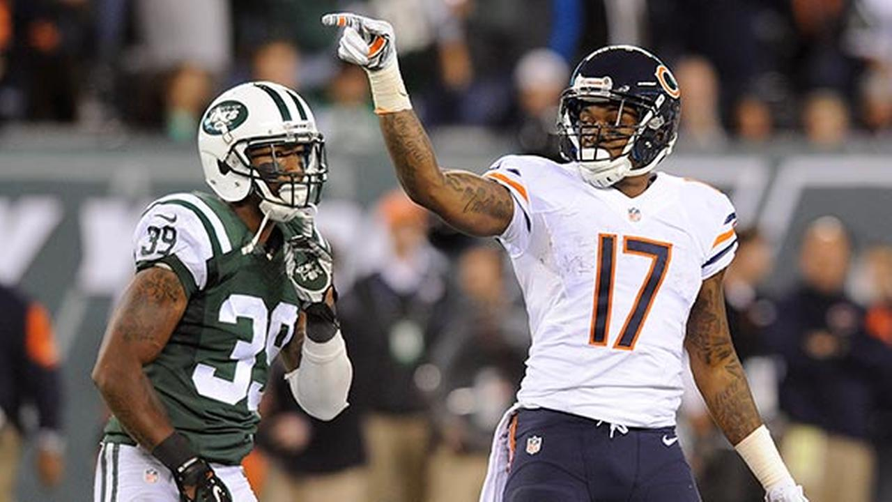 Chicago Bears wide receiver Alshon Jeffery (17) reacts after a first down against the New York Jets during the fourth quarter of an NFL football game, Monday, Sept. 22, 2014,