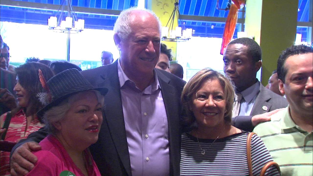 A group of Chicago-area Latino leaders came out Saturday in support of Governor Pat Quinn.