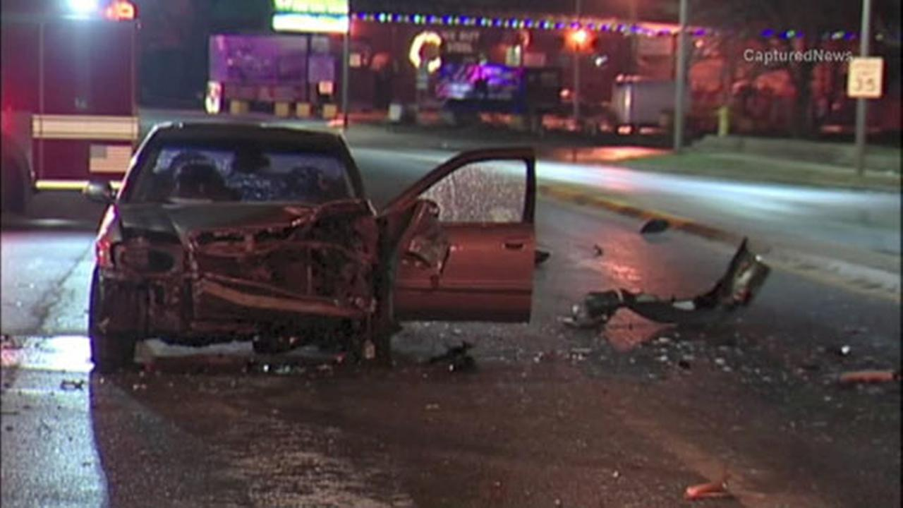 Police chase ends in multi-vehicle crash in Stone Park